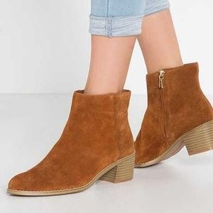 Clarks Suede ankle boots size 10